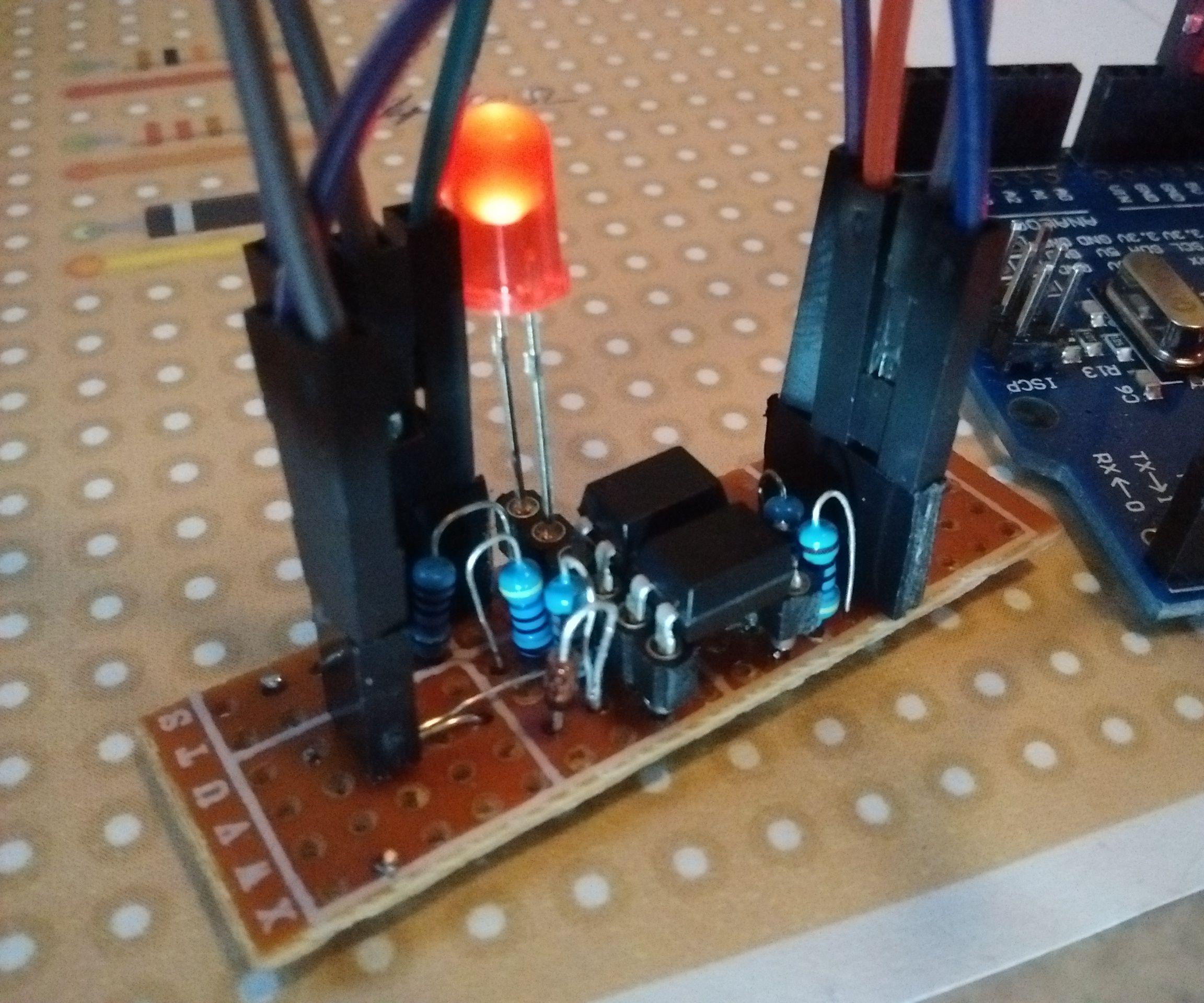 Optical Isolated Single Wire Communication