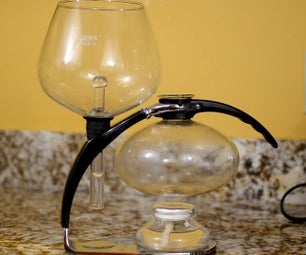 How to Make Coffee With a Vacuum Brewer (and Its Physics)