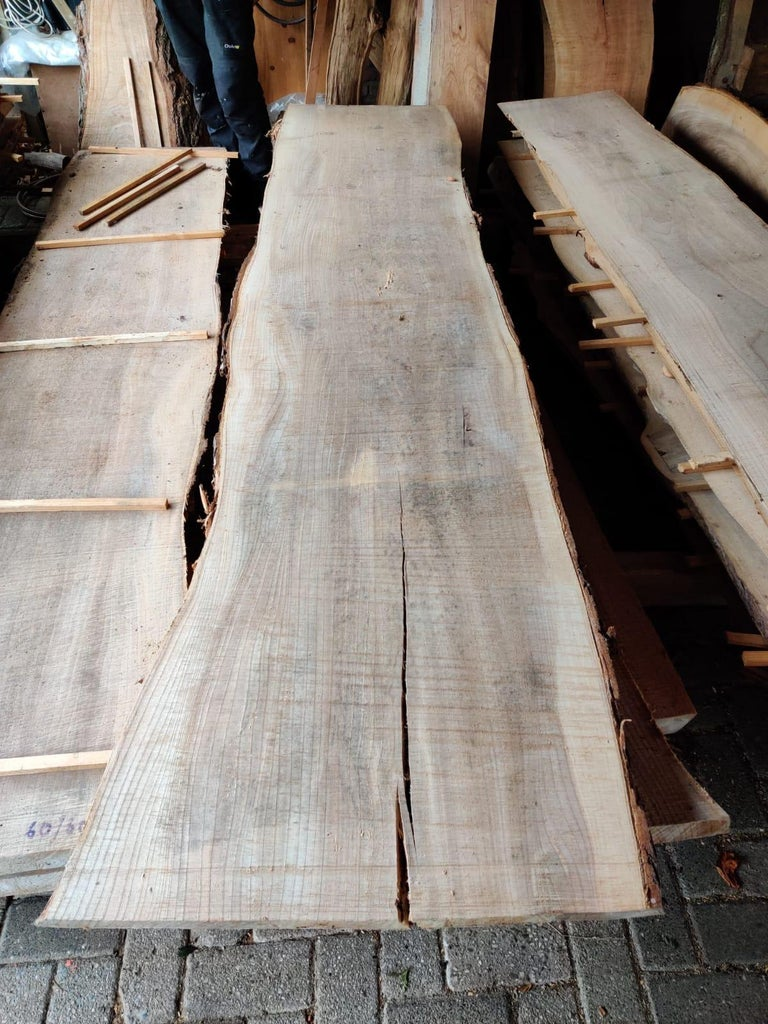 Purchasing the Wooden Live Edge Slab