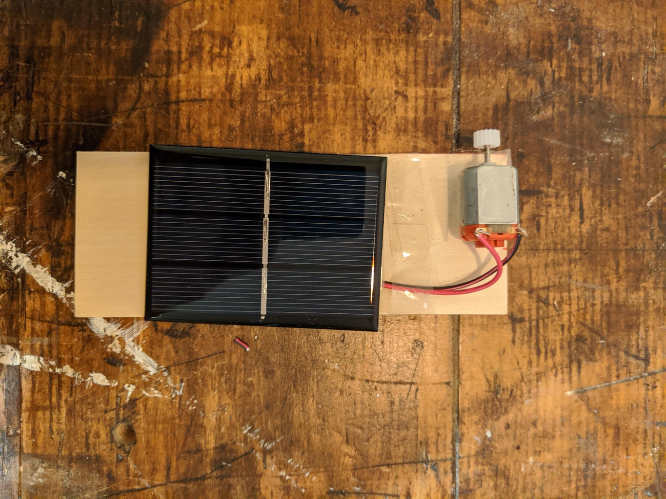 Connect Motor to Solar Cell