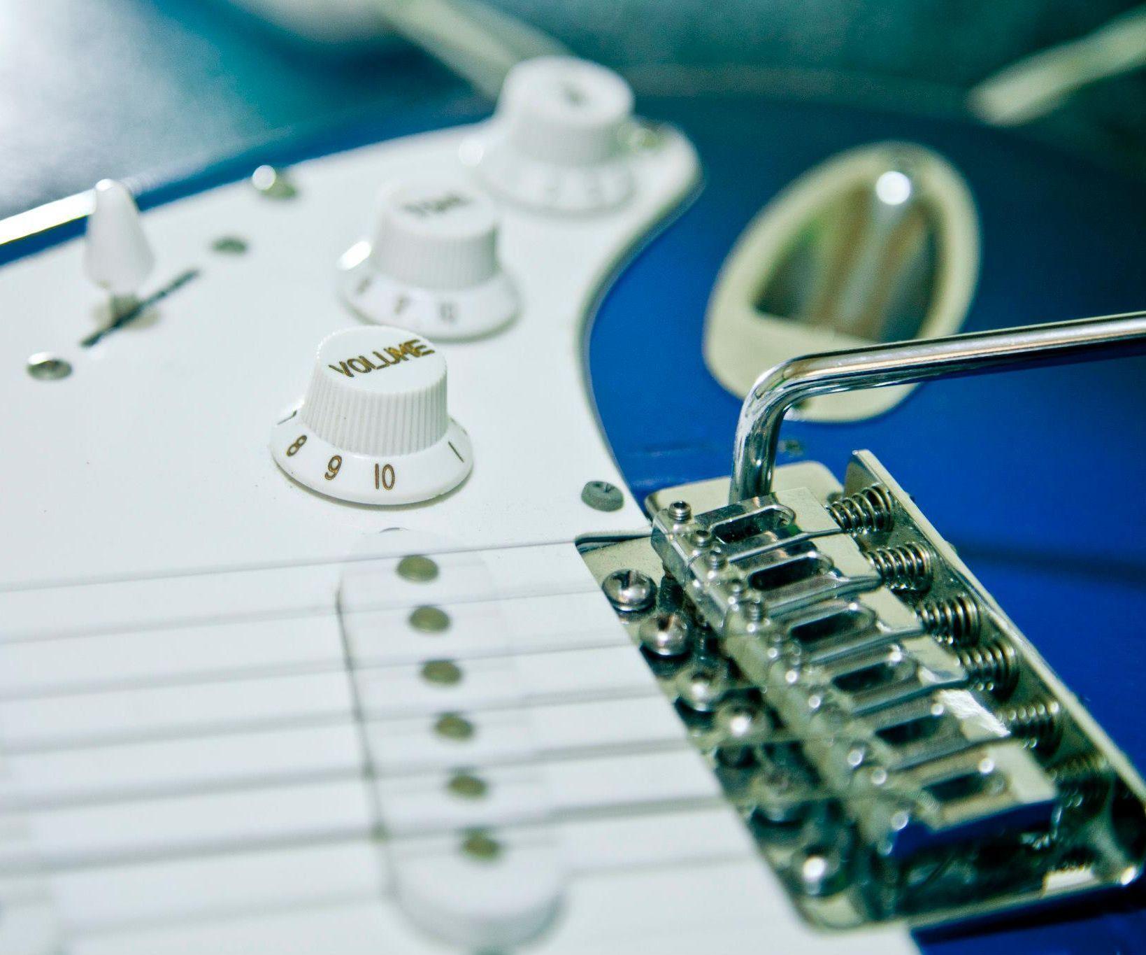 Electric Guitar from scratch