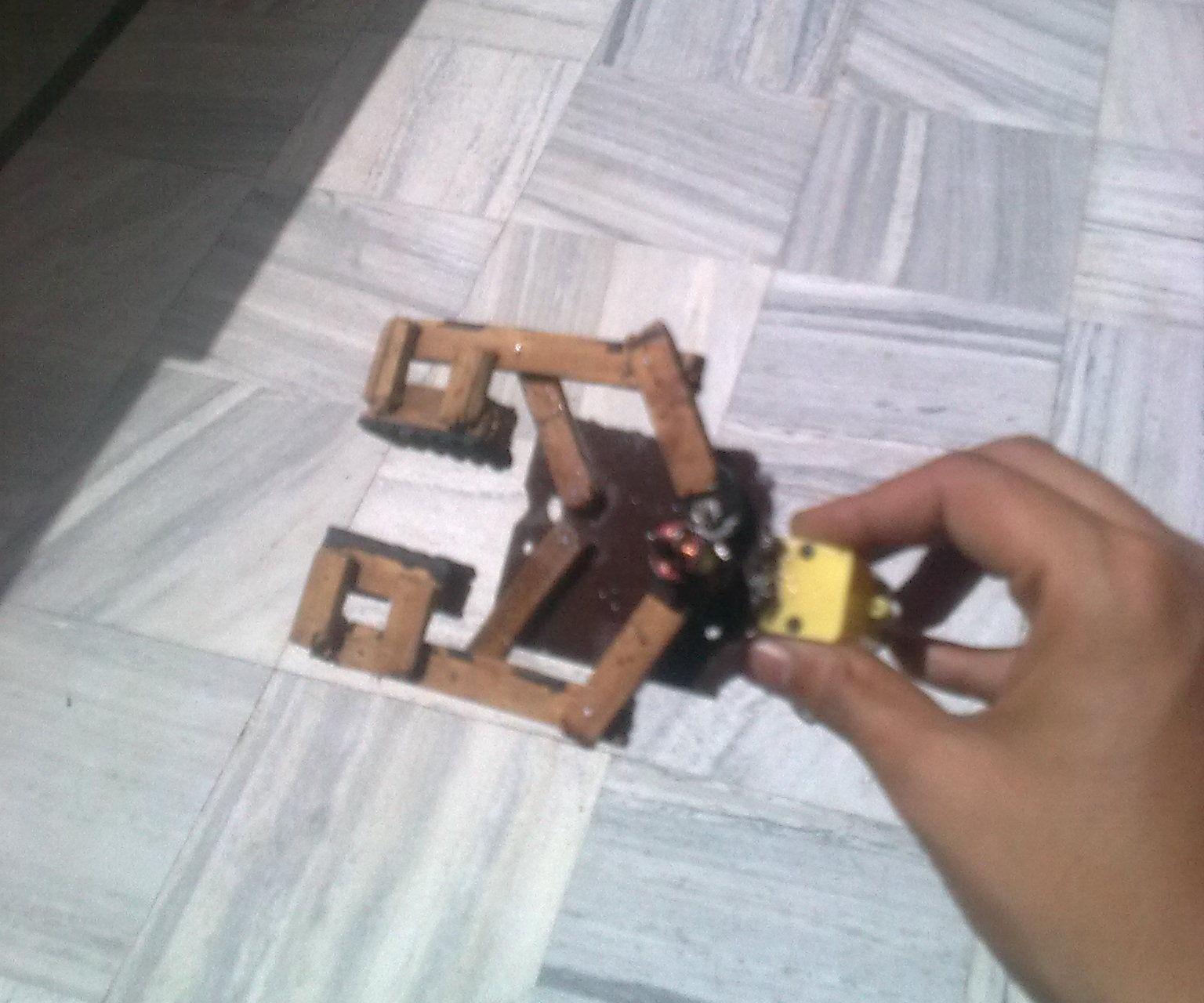 DIY ROBOTIC GRIPPER