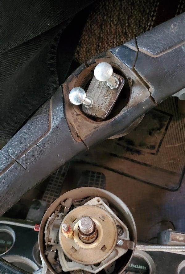 Steering Wheel Puller From Junk Hinge.