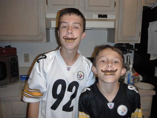 Mustachio Munchies