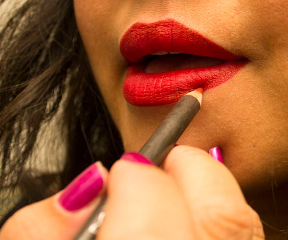 Tips to Wearing Long Lasting, Red Lipstick
