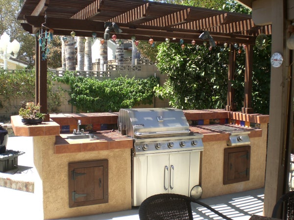 Build a Backyard Barbecue!