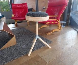 由再生材料制成的艺术家凳子。