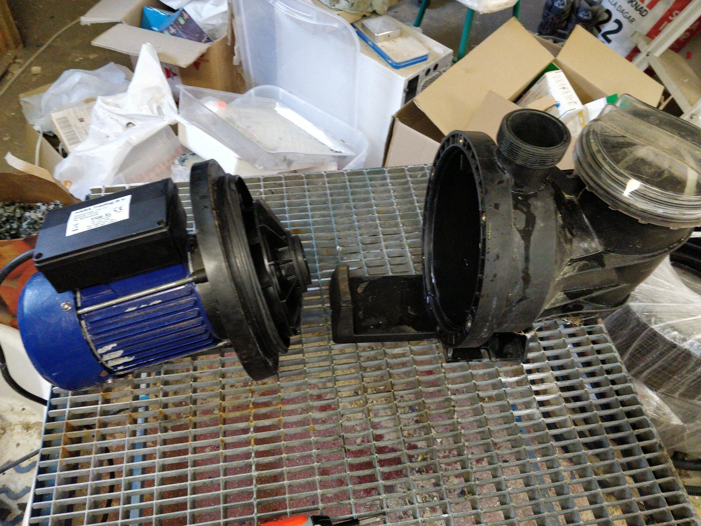 Remove the Outer Pump Housing