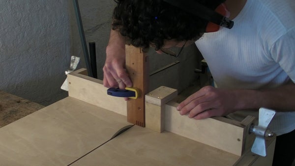 Homemade Table Saw - Part 3 - Lead Screw, Sledge Fence Stop & Finger / Comb Joints Jig