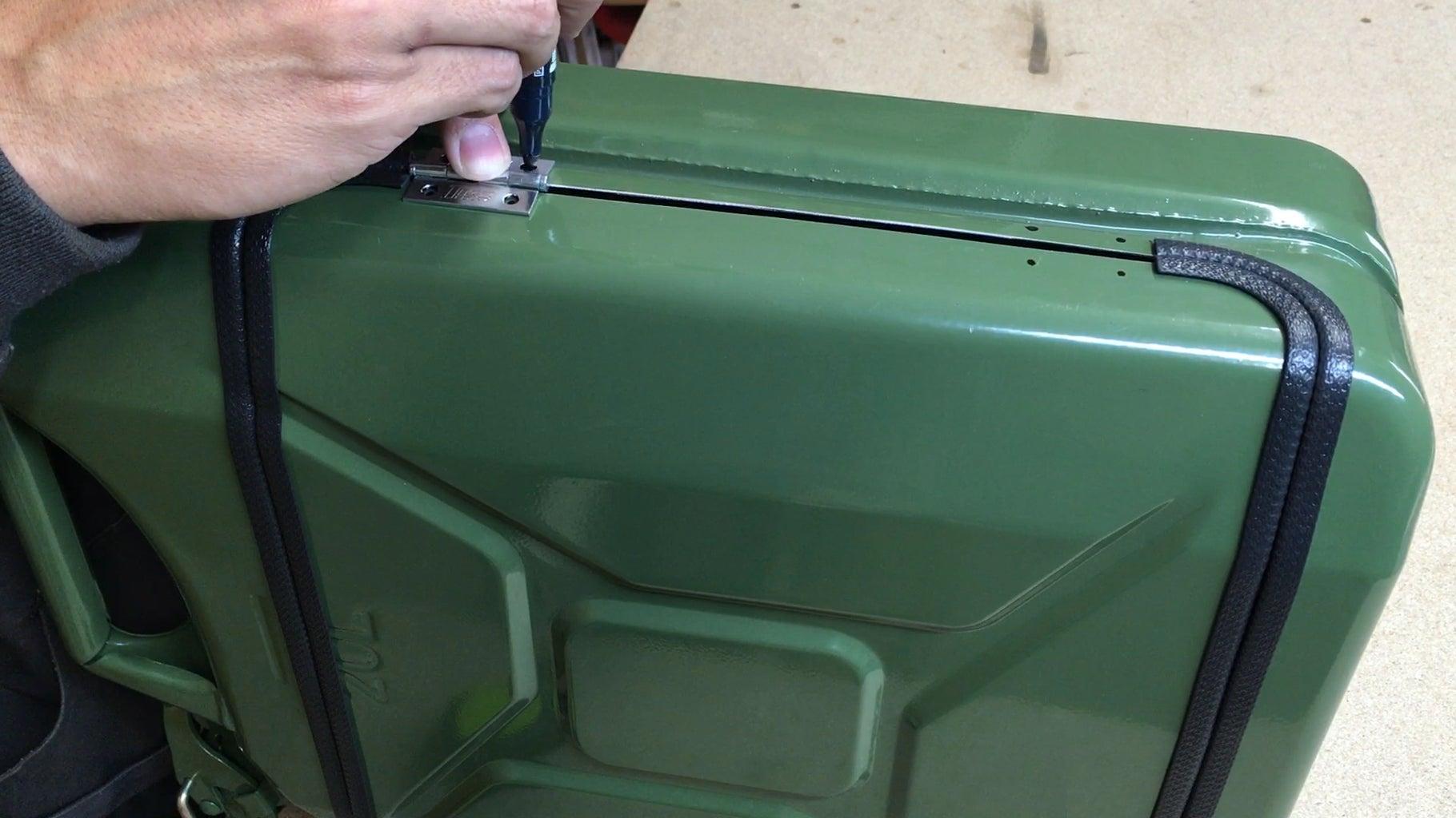 Fixing Hindges
