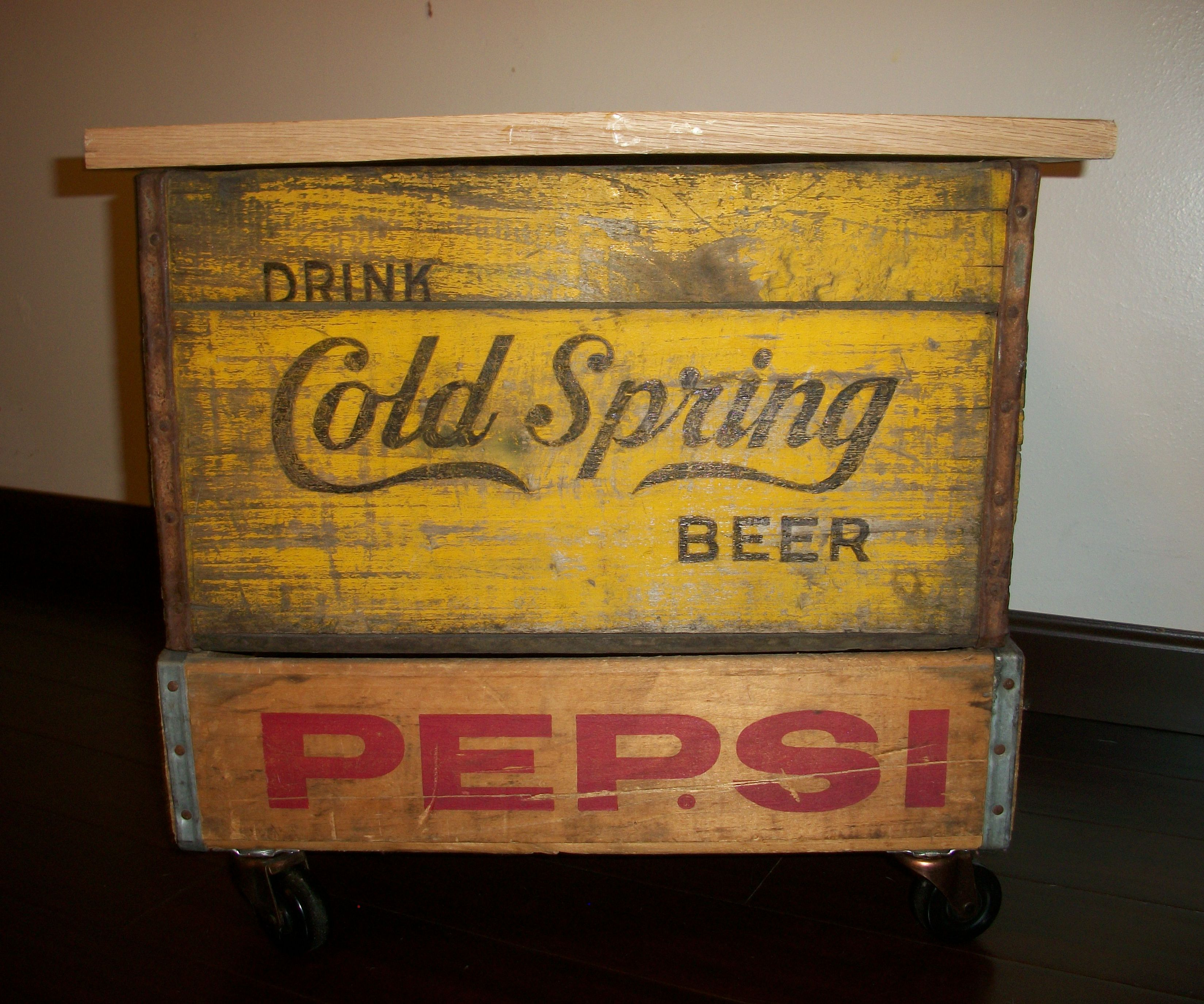 DIY Soda Crate Storeage Table With Wheels