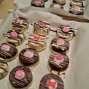 Valentine's Day Chocolate Covered Oreos