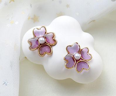 Beebeecraft Tutorials on How to Make Flower Resin Earrings