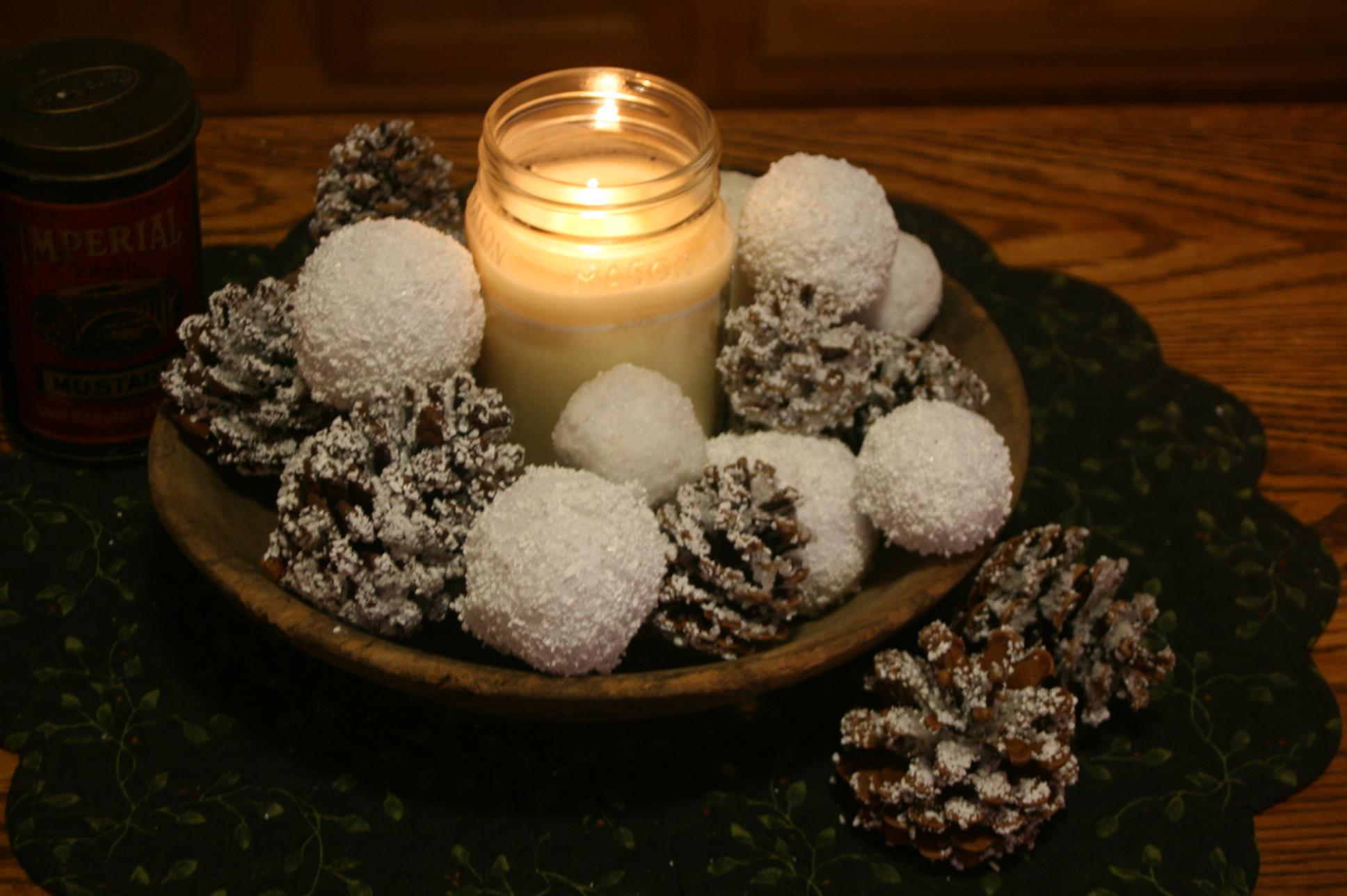 EASY & INEXPENSIVE  DIY Snowballs & Snow Covered Pine Cones