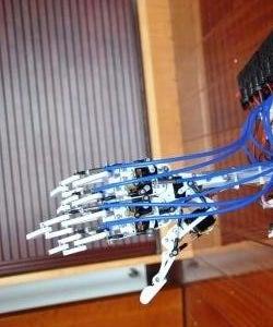 Leap Motion Arduino Animatronic Hand Robot