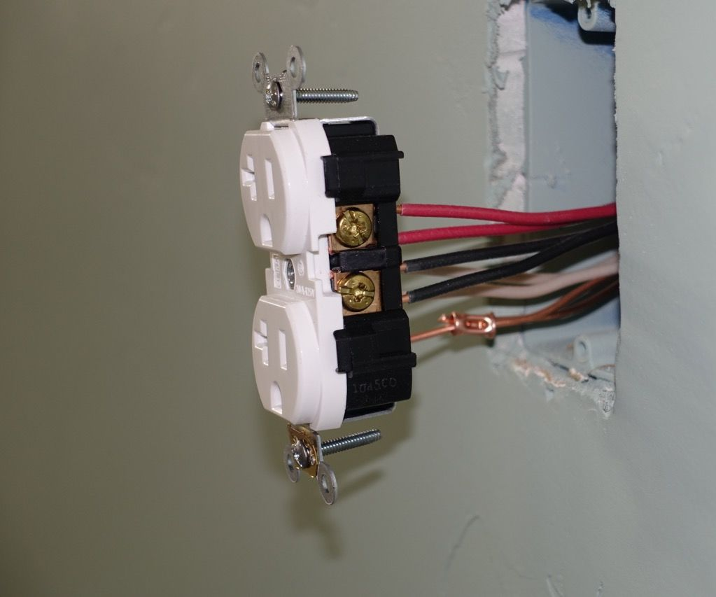 More power for shop receptacles: shared neutral wiring