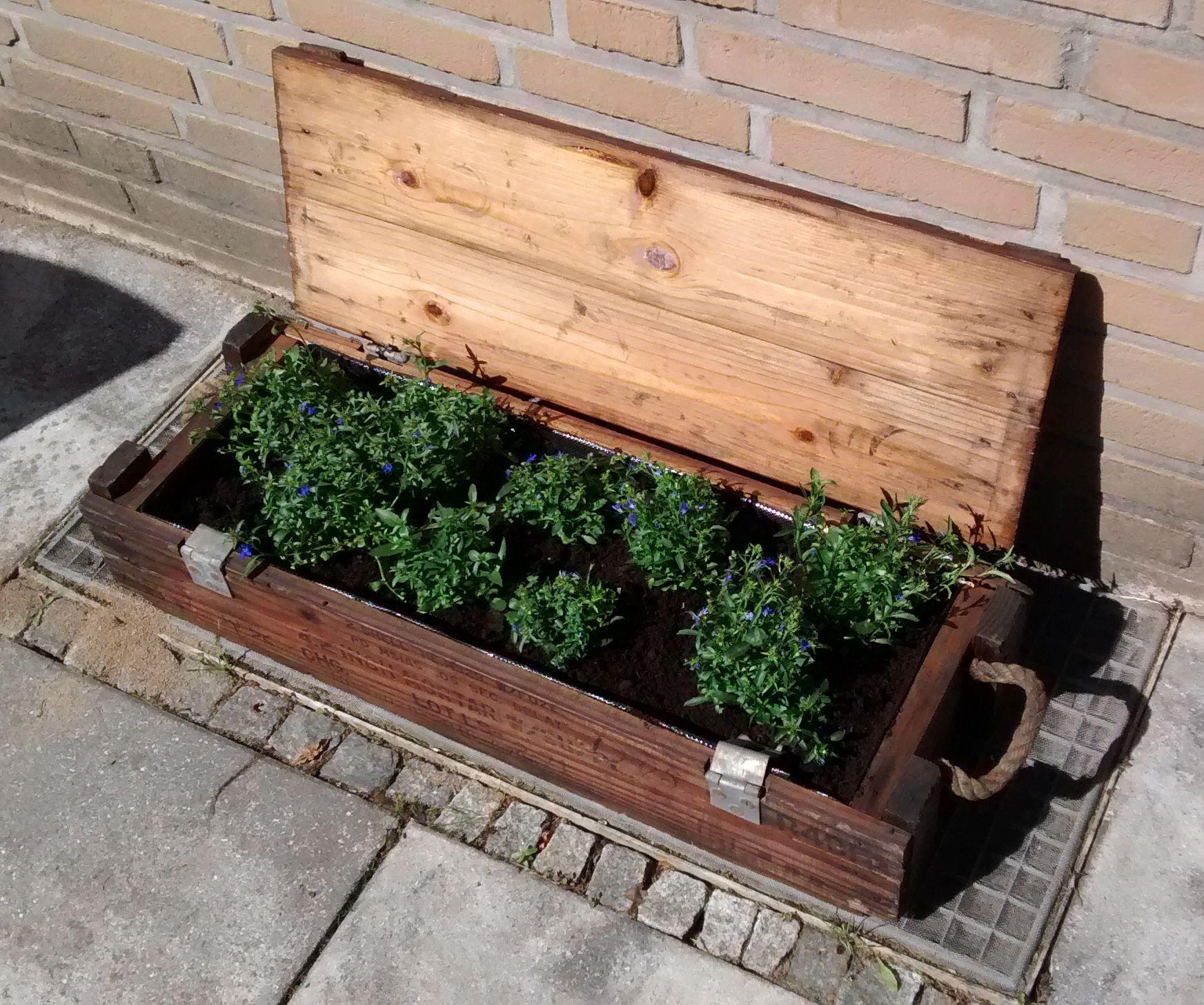 Planter Box From Ammo Box (Blumenkästen DIY)