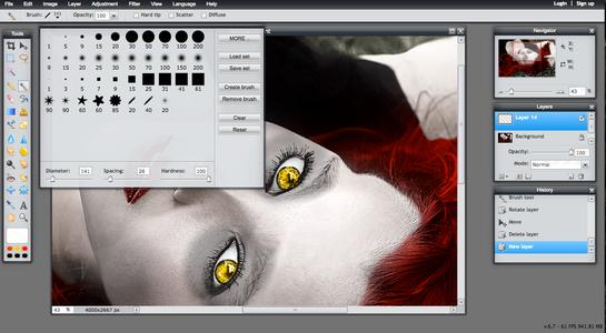 Full Moon Eyes & Vampire Fangs