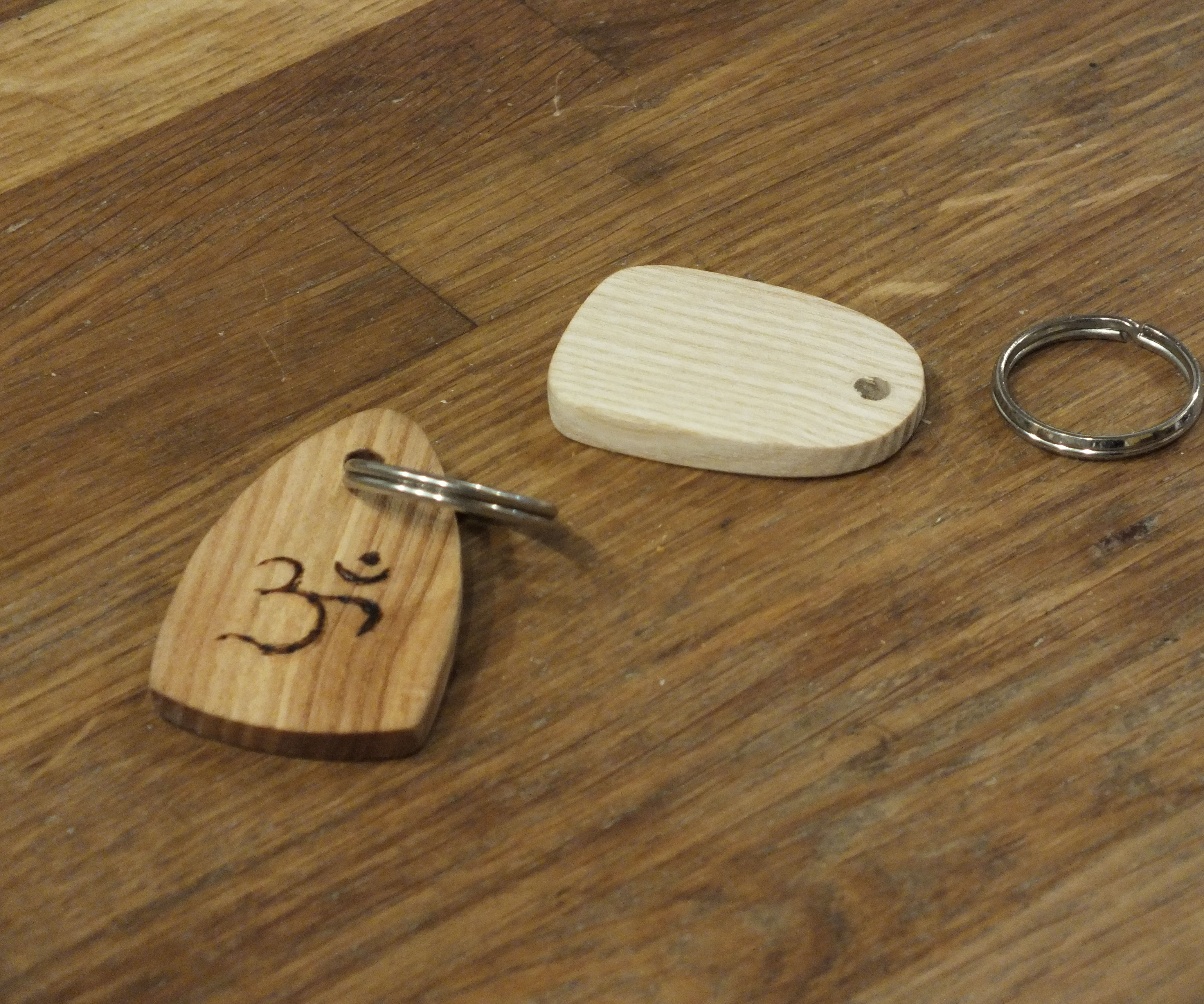 Key Ring From Recycled Wood Using Hand Tools