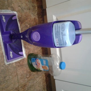 How to Remove the Cap on a Swiffer Wet-Jet Cleaner Bottle.