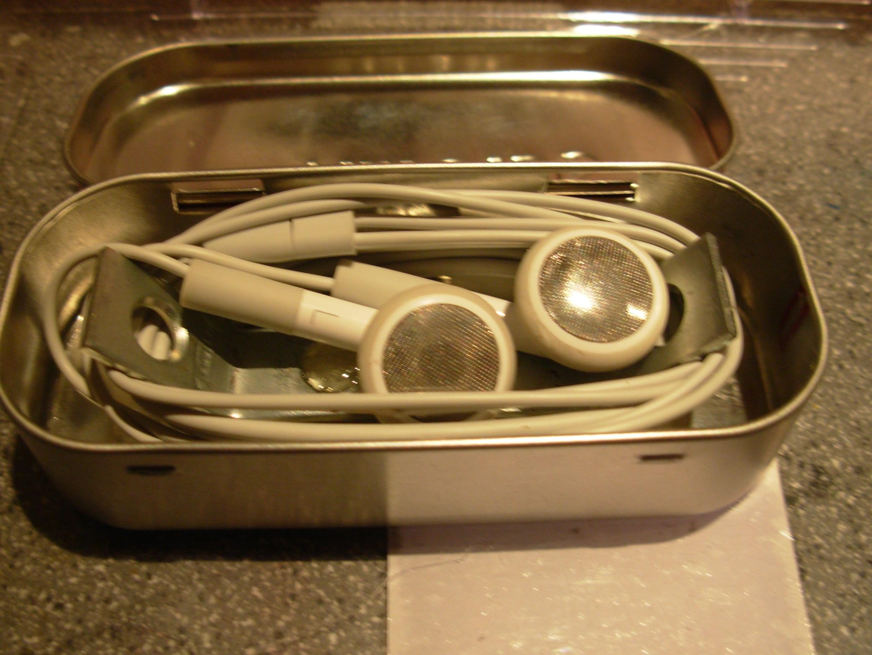 Altoids Tin Earbud Case!