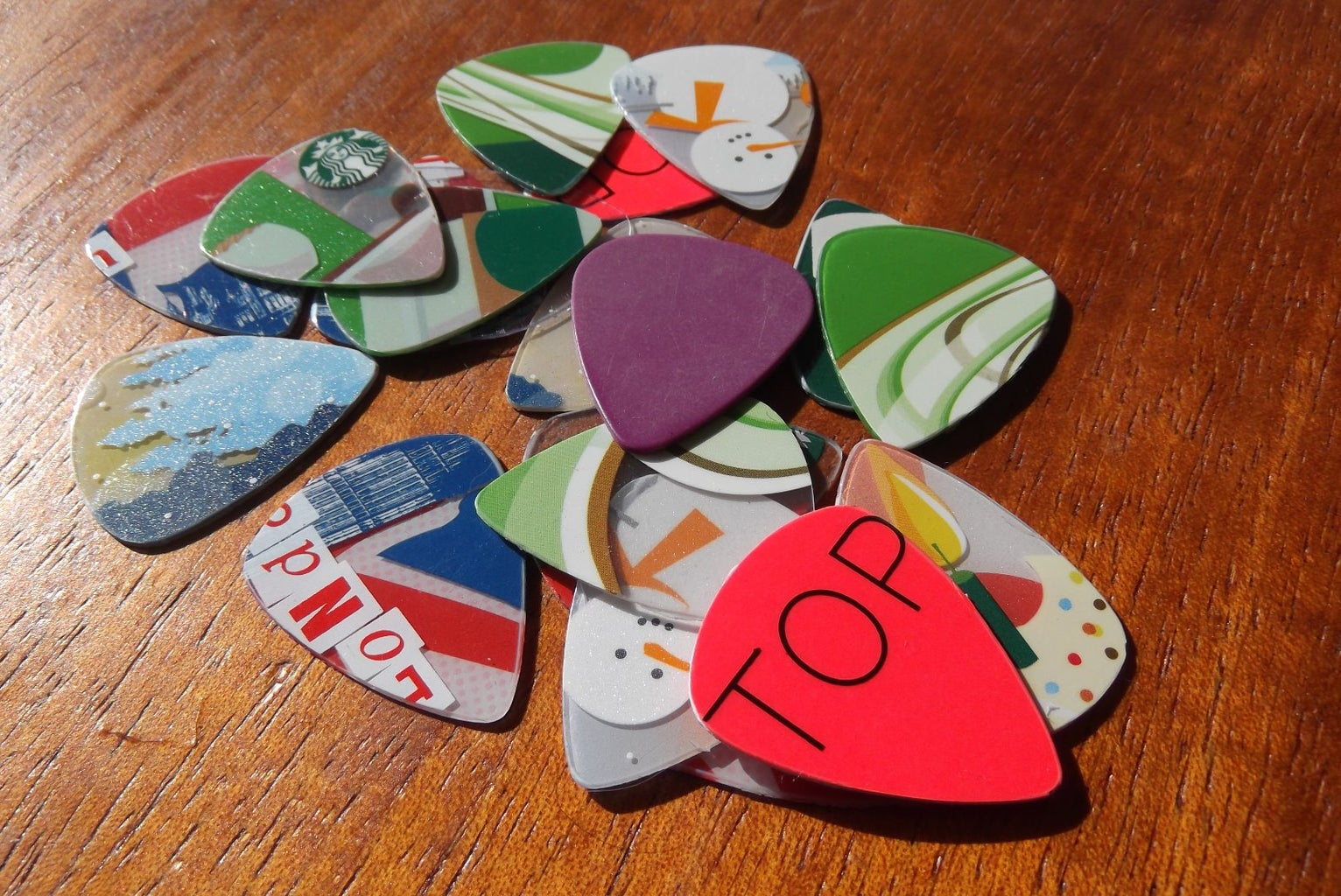 Gift Cards --> Guitar Picks!