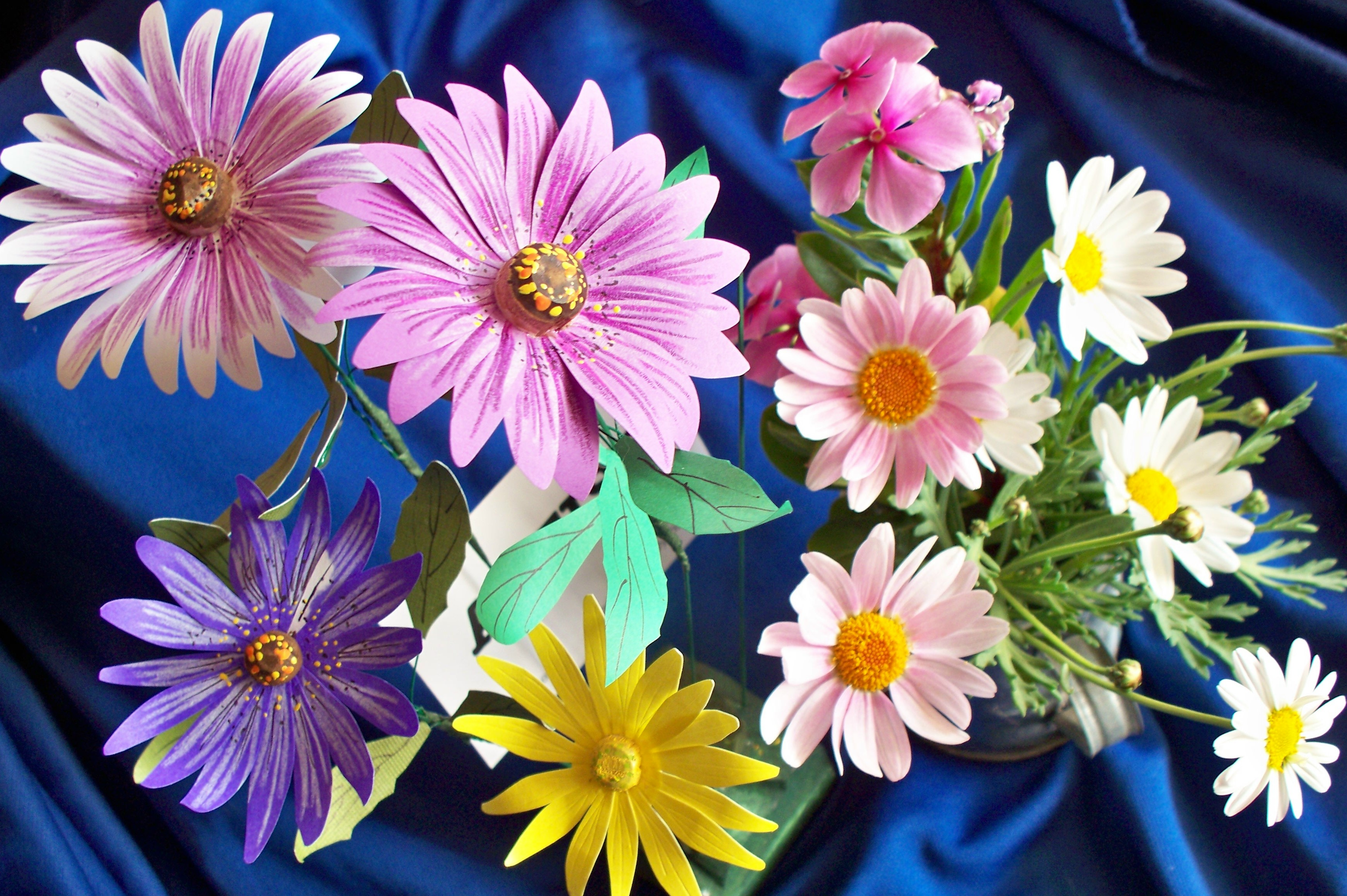 How To Make Paper Daisies