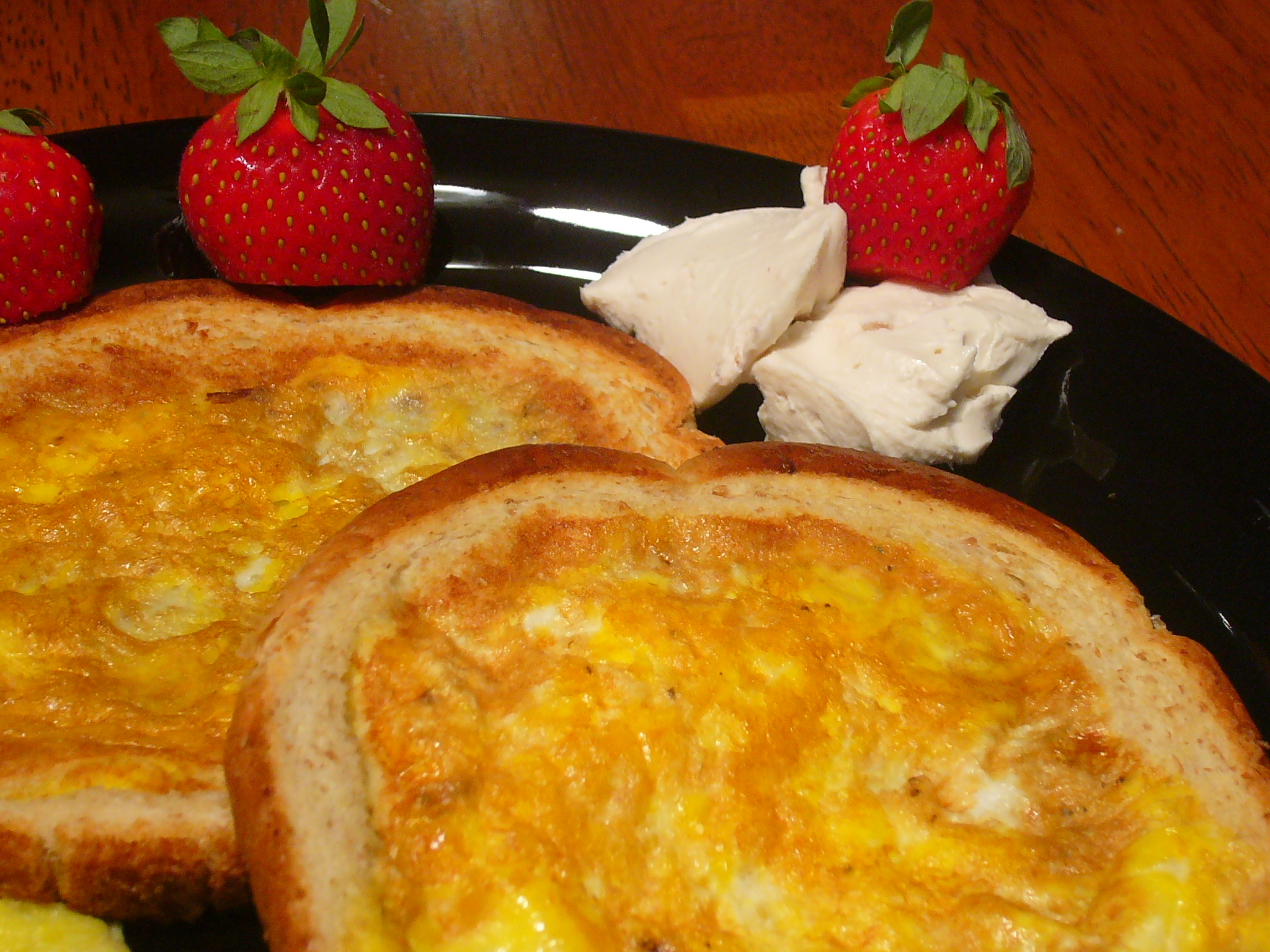 [Collegiate Meals] Pretner's Mom (Toad in the Hole? Egg in a Blanket? Egg in Toast?)