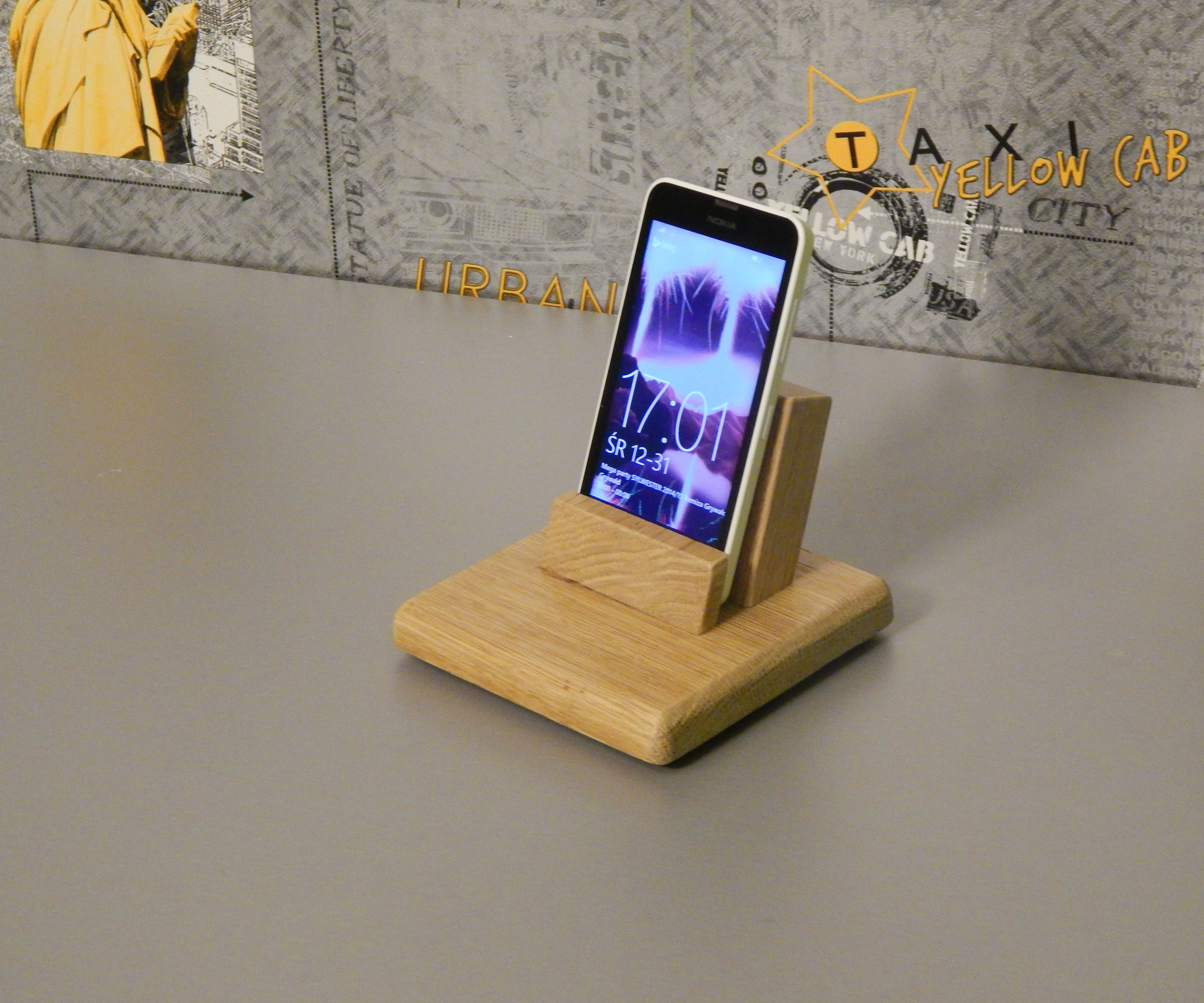 Easy to make smartphone dock