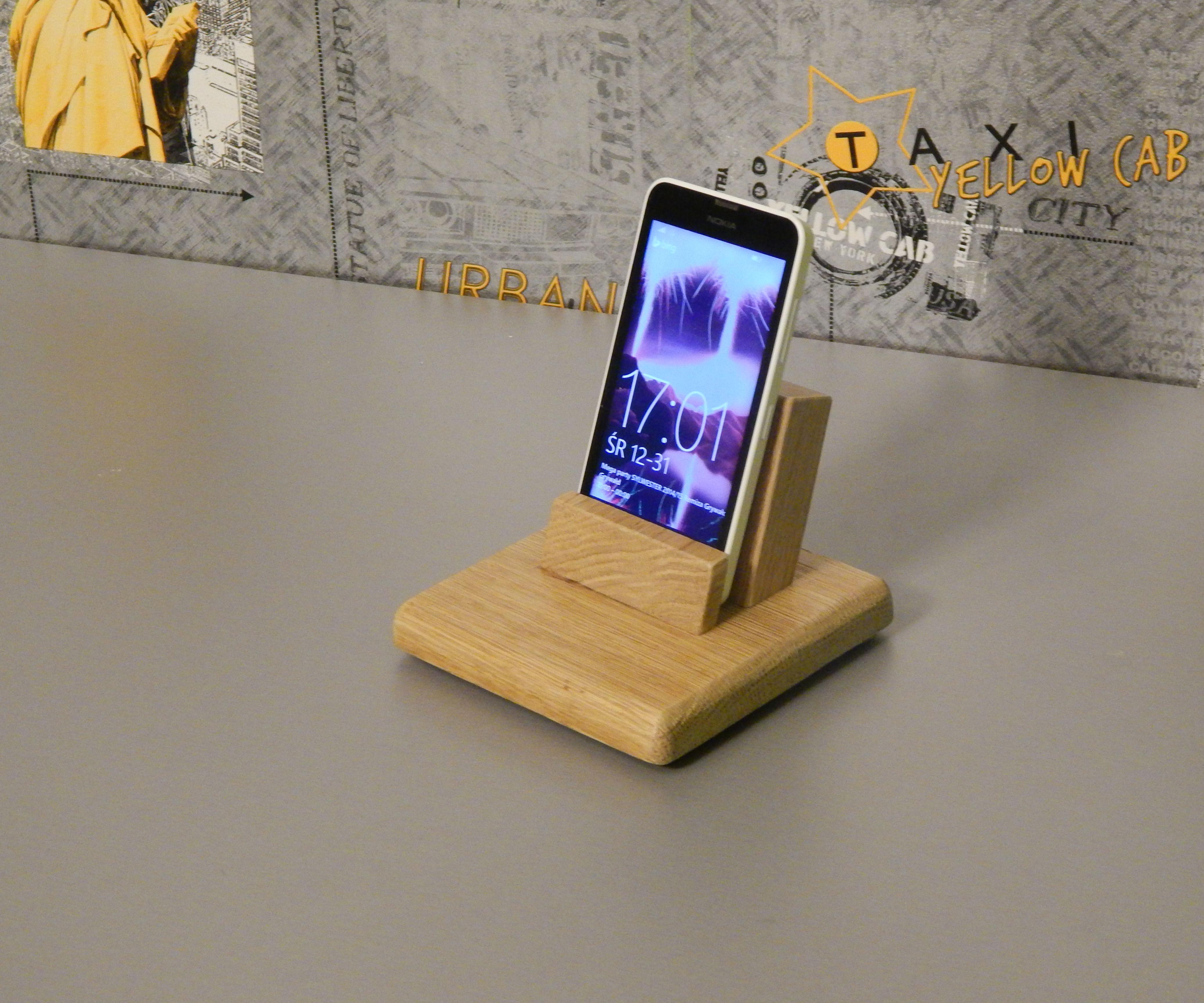 Easy to make smartphone dock