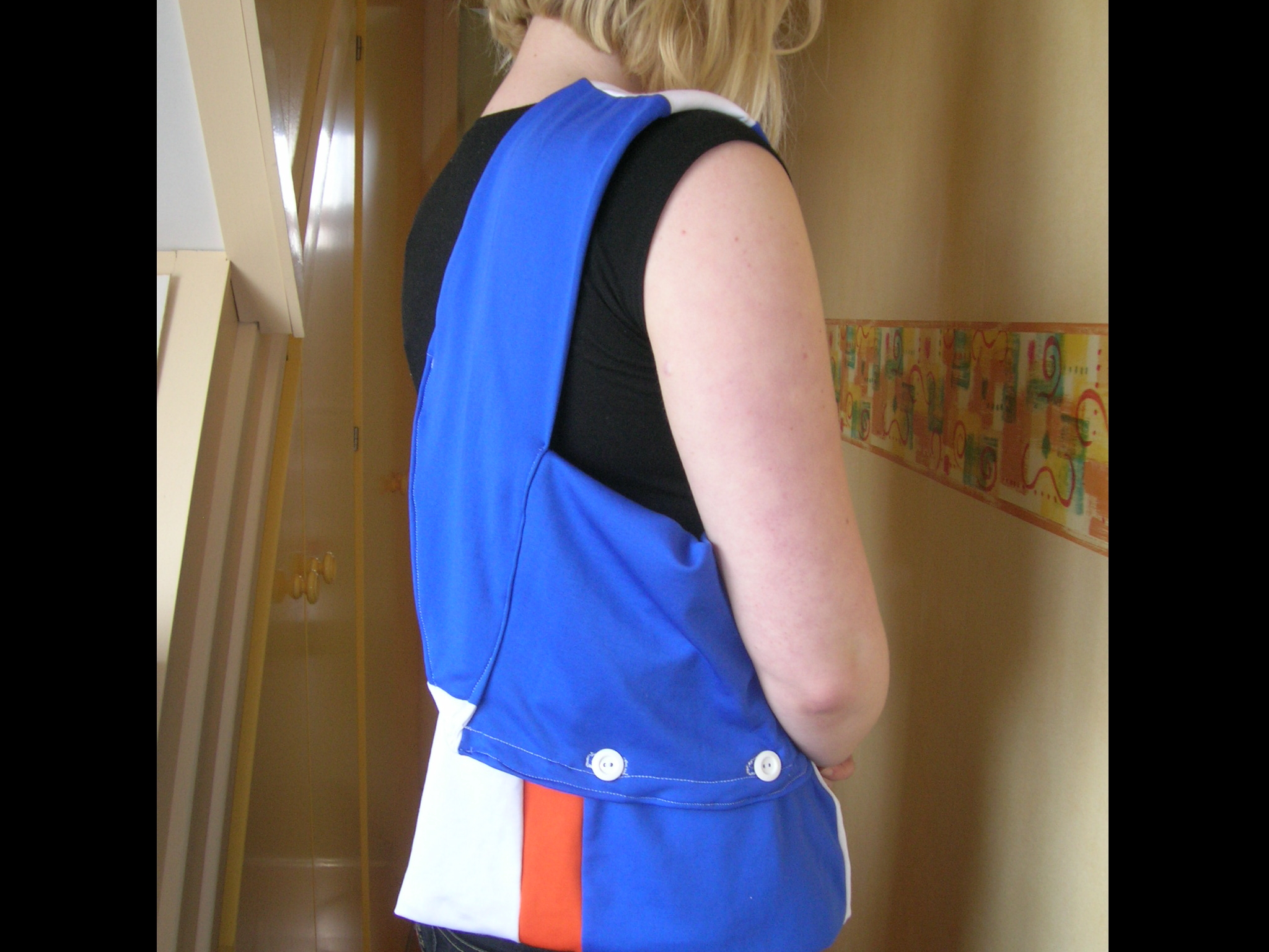 Make a Bag out of a Long-sleeved Kids T-shirt