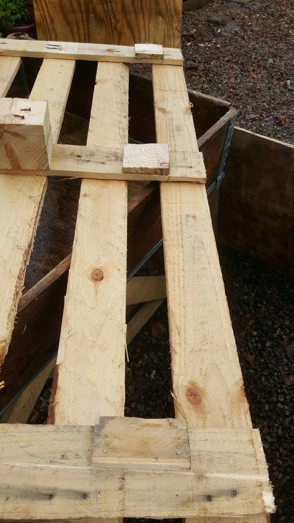 Pallet Roof Legs & Corner Stopppers.