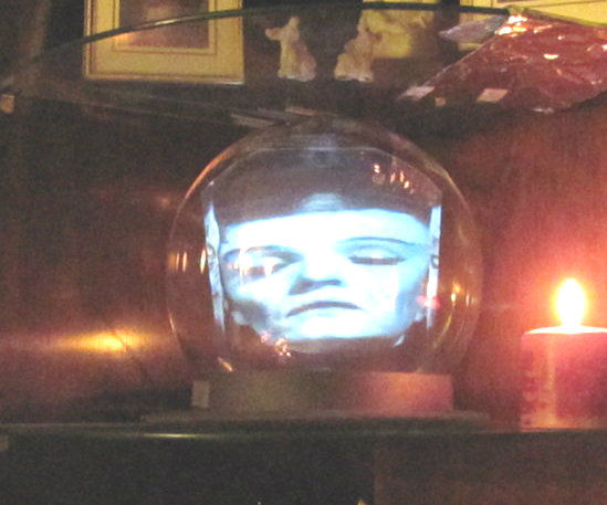 Haunted Crystal Ball (Madame Leota)