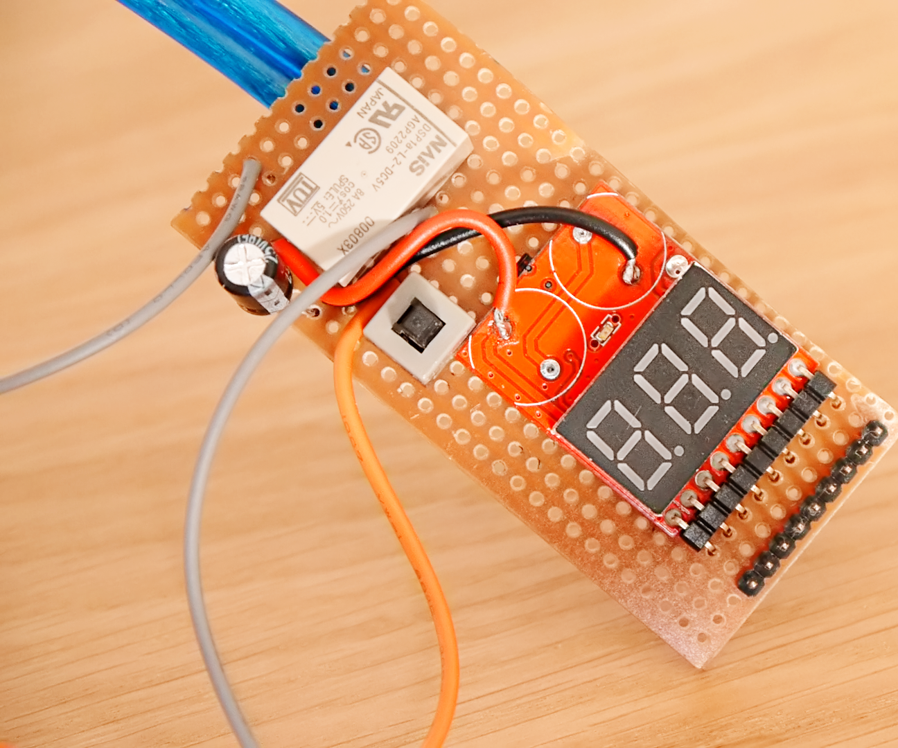 Make a Battery Protection Circuit (low voltage cut-off)