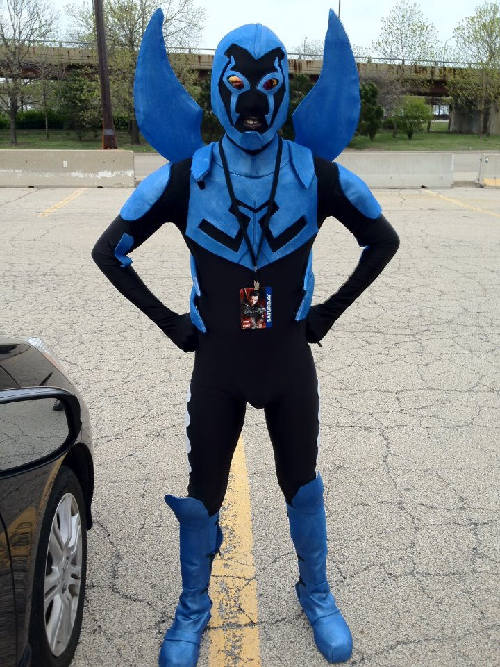 "How to make a DC ""Blue Beetle: Jaime Reyes"" costume"