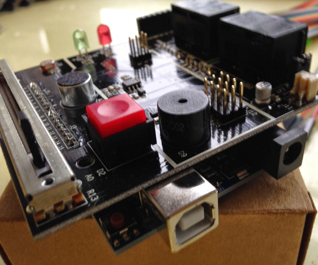 用S4A Sensor Board玩Scratch 2.0