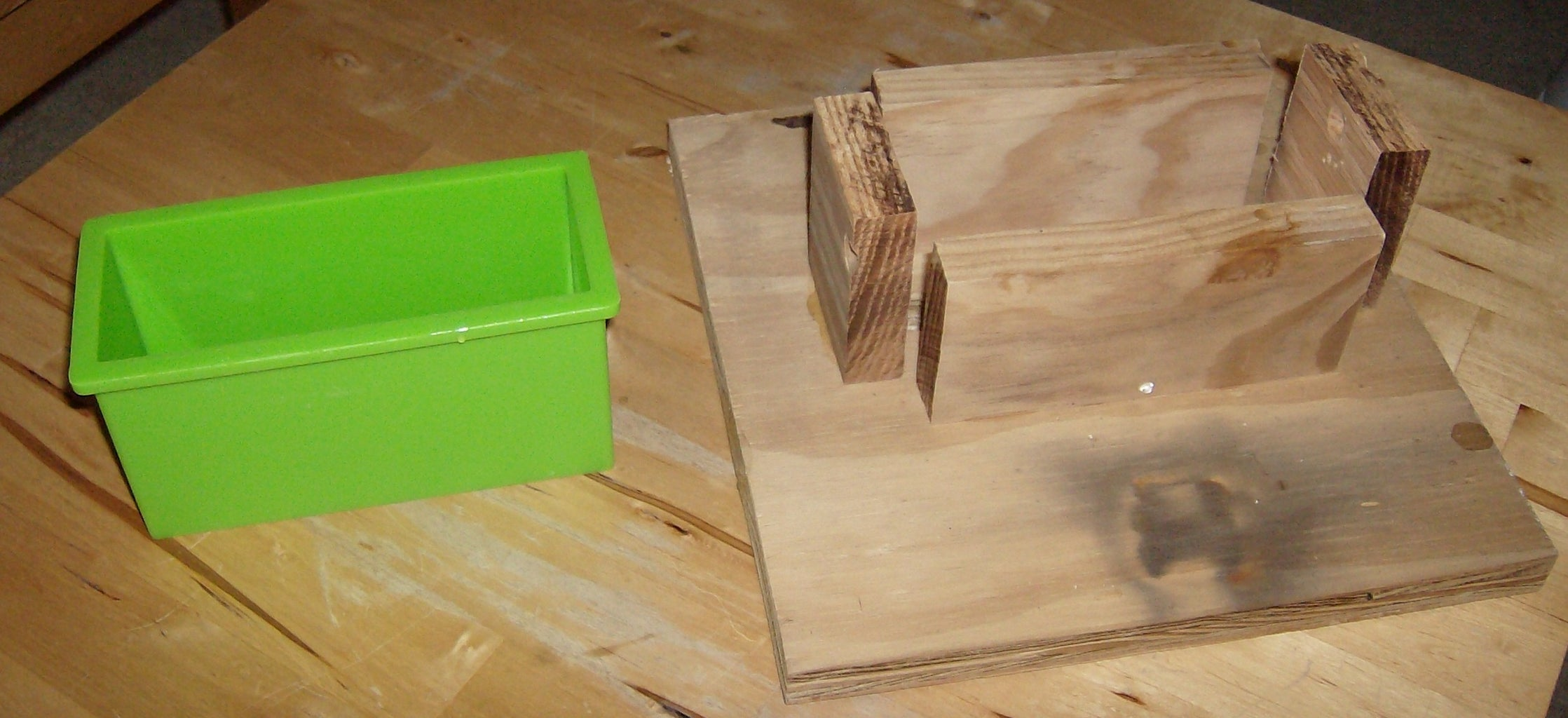 Build the Mold Support Fixture