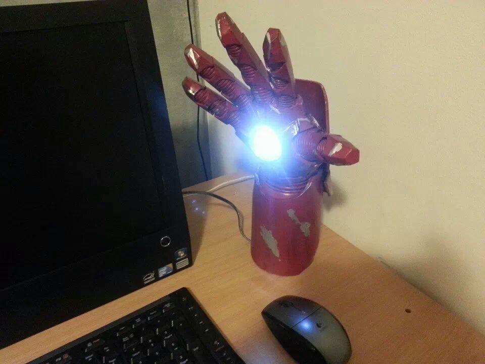 Iron Man Gauntlet Desk Lamp + faceplate