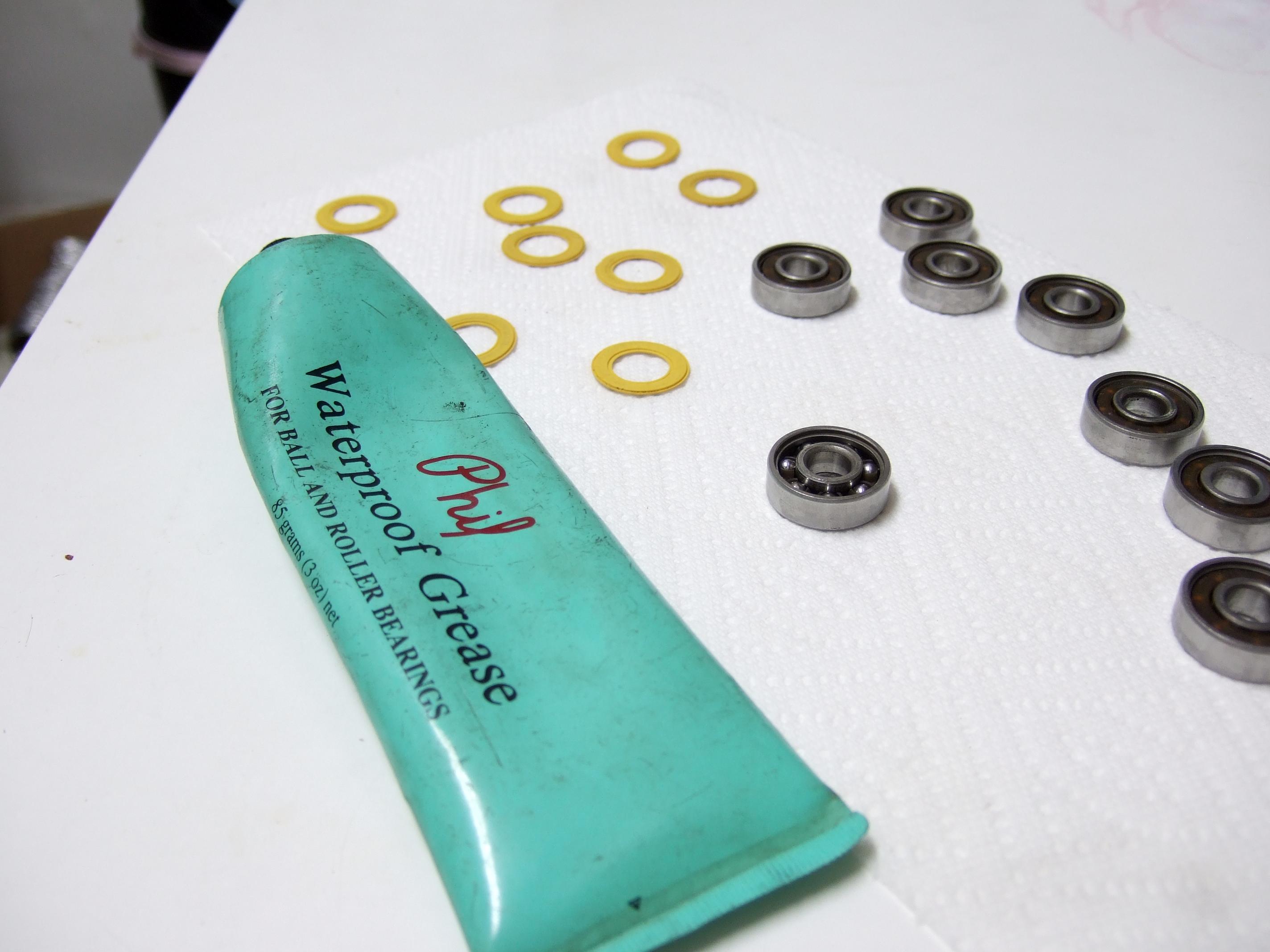 Clean and Grease your Skateboard Bearings