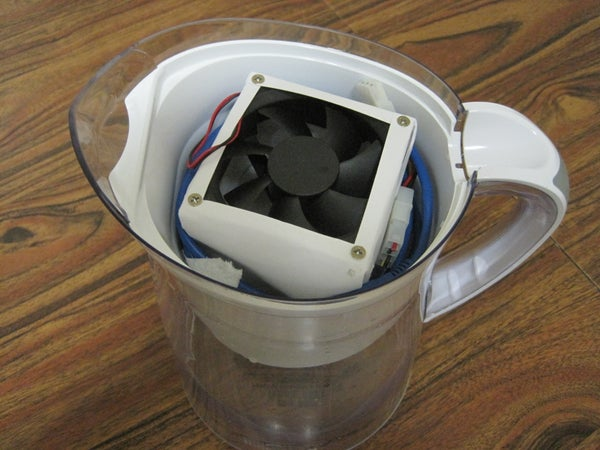 Build a Discreet USB Air Conditioner With a Brita Pitcher
