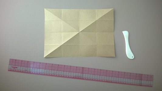 Diagonal Folds to Corners