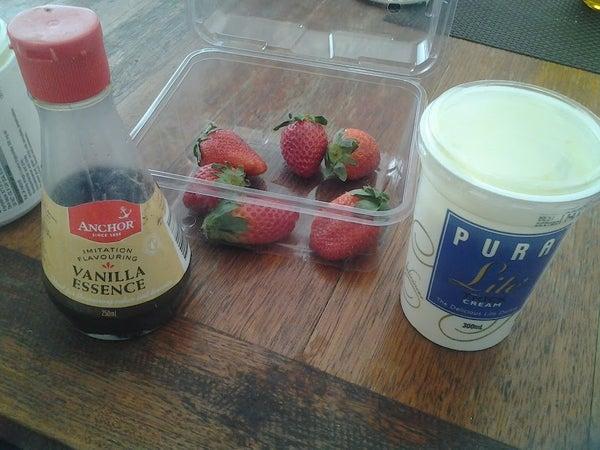 How to Make Strawberry  and Vanilla Ice-cream