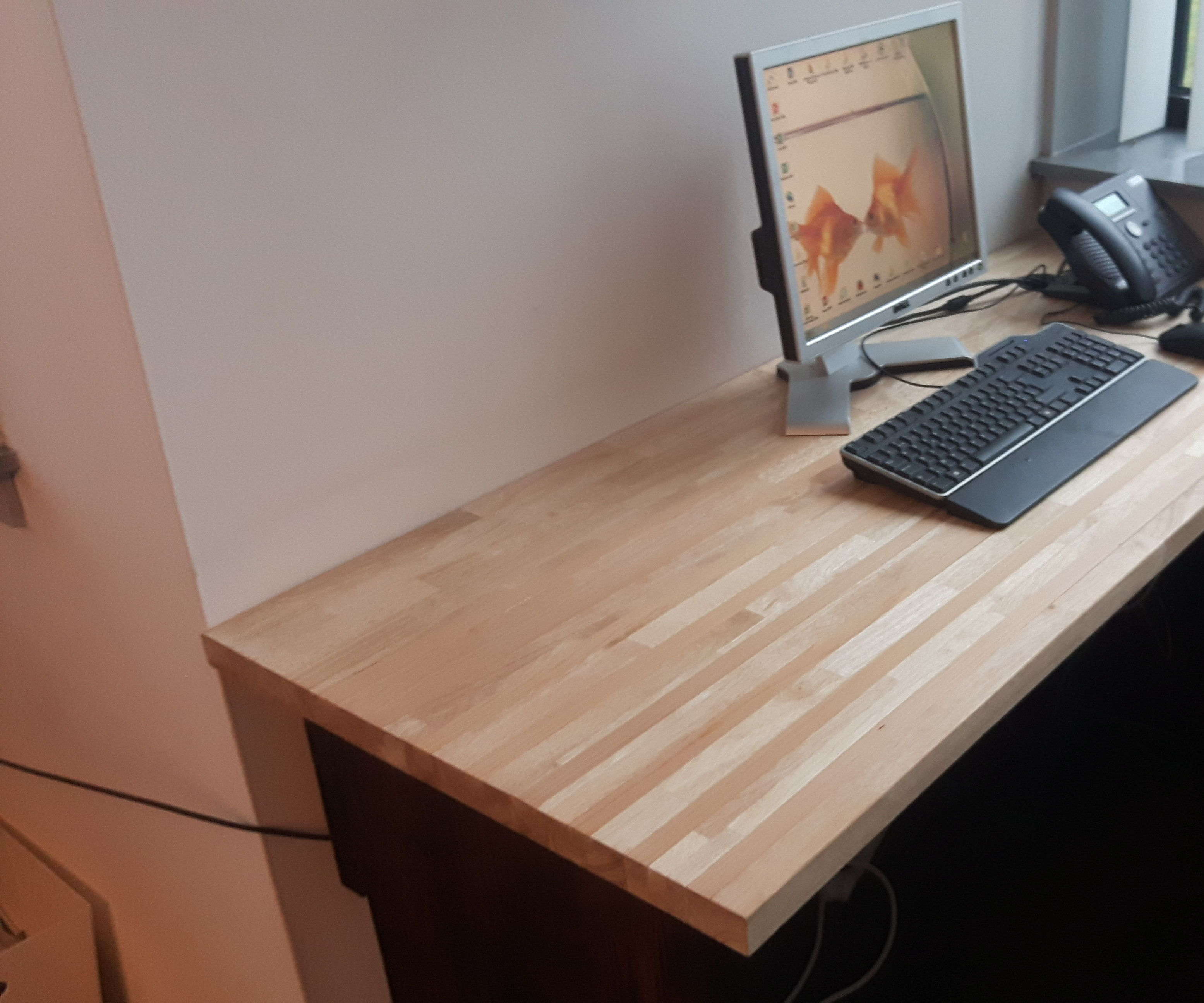 desk with ceder inlay
