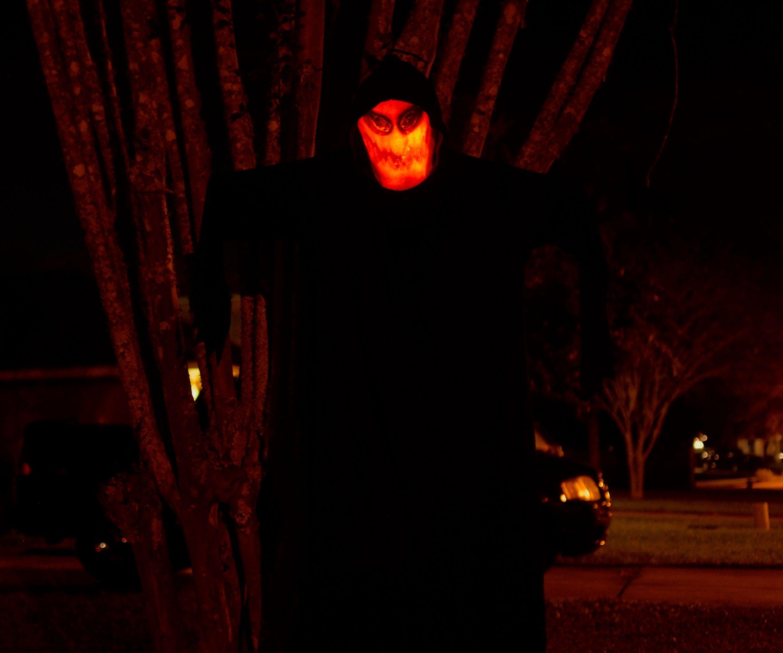 Halloween Jack-o-lantern Phantom Decoration!