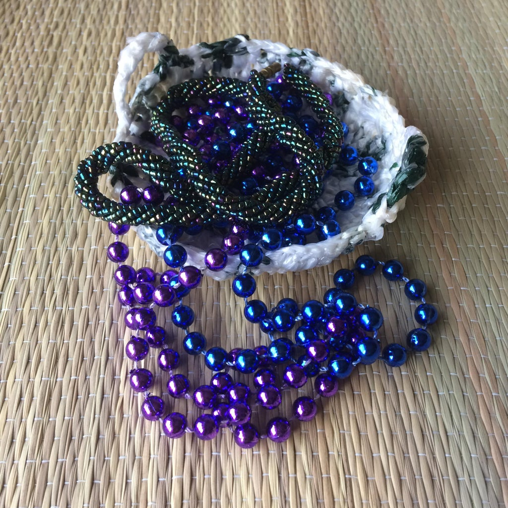 From Recycled Grocery Bags to Crocheted Decorative Basket