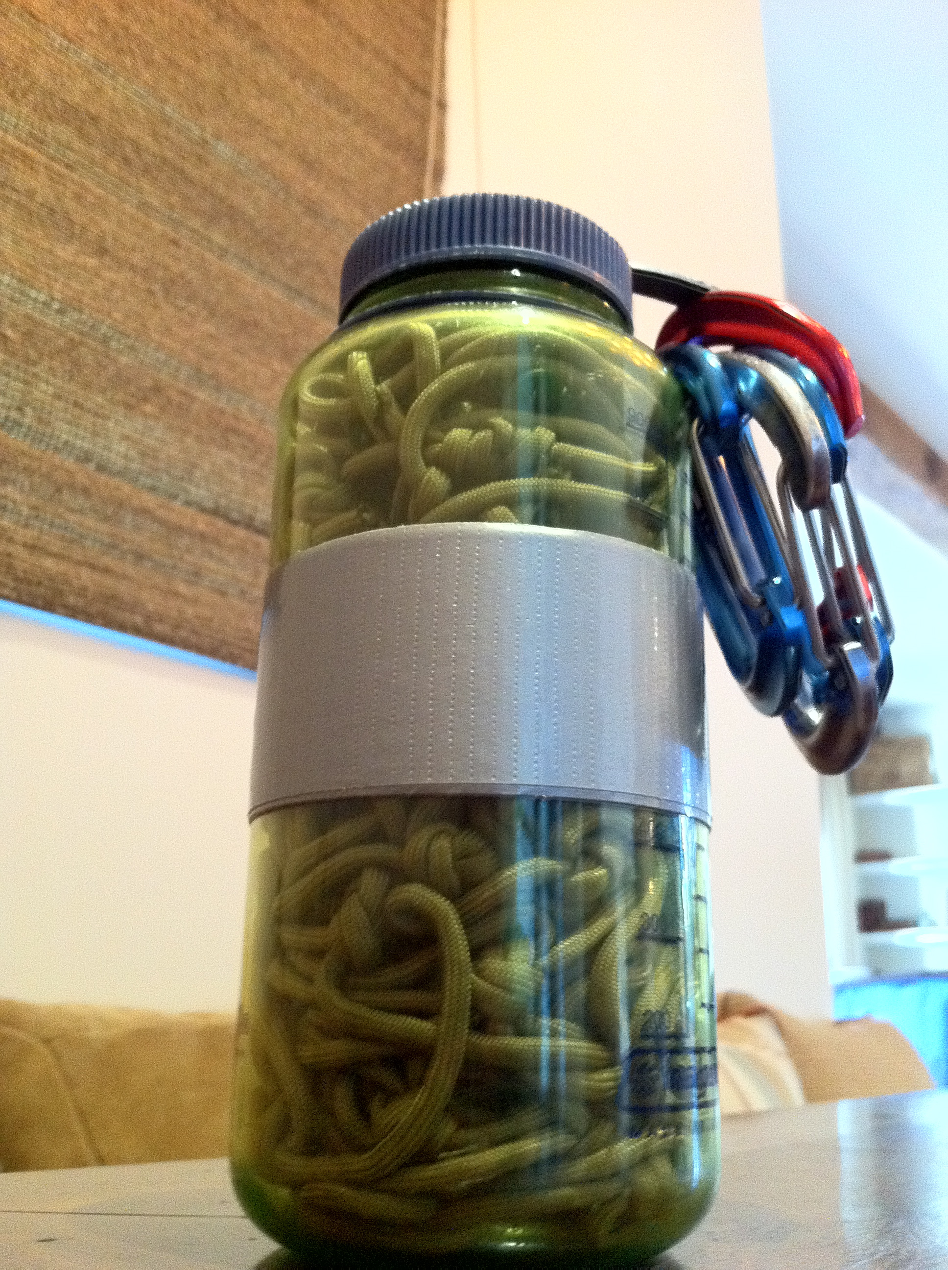 Multiuse paracord hammock in a Nalgene