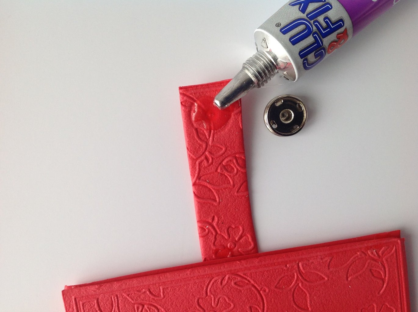 Mark the Place for the Metal Snap Fastener