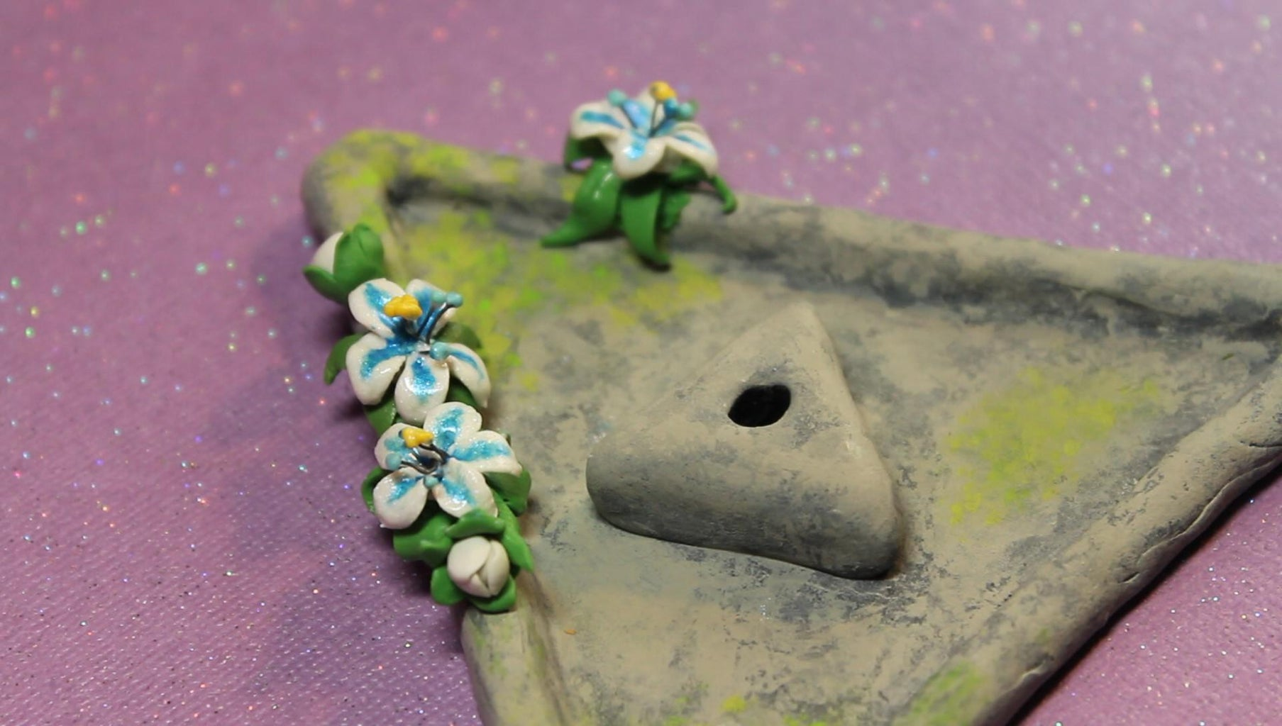 (OPTIONAL) Flowers: Adding to the Trinket Dish