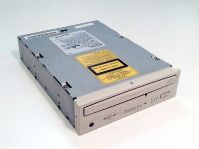Build an X-Y Platform From Scavenged CD Drives