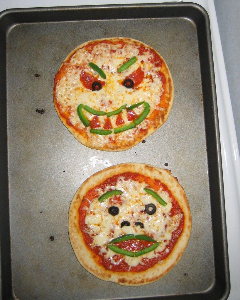 Halloween Pita Pizzas!